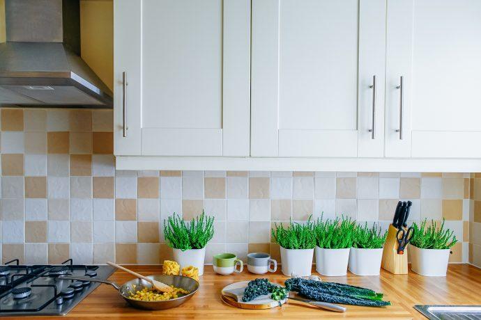 5 Tips to Becoming a Better Homemaker When Feeling Overwhelmed